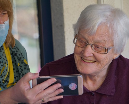 Alzheimers Association Offers Tips for a Safe, Happy