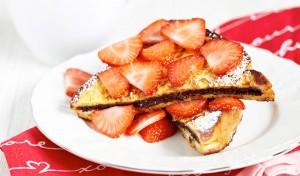 Nutella-Stuffed-French-Toast-with-Strawberries